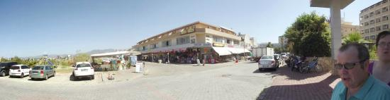 Xeno Eftalia Resort Hotel: local shops,directly across from hotel