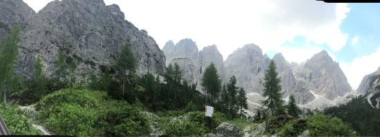 Malborghetto-Valbruna, Italy: Rifugio Pellarini