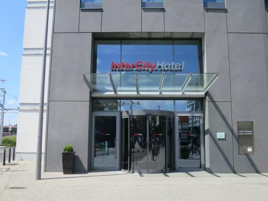 InterCityHotel Mannheim: ホテルの正面