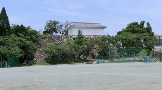 Ruins of Kameyama Catsle : 多門櫓を南より