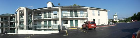 Days Inn Branson/Near the Strip : Exterior