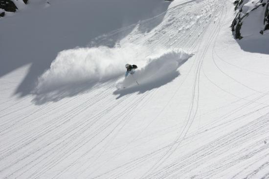 Snowlines Ski & Snowboard School