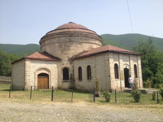 Museum of Folk and Applied Arts : Албанская церковь - ныне музей