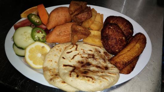 Conchitas Restaurante y Pupuseria