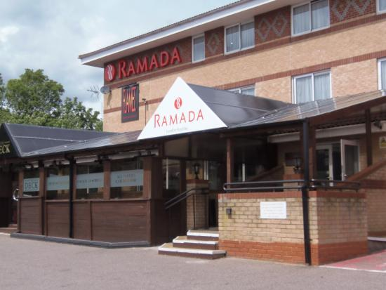 Ramada London Finchley : Hotel front exterior