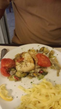 Hôtel Restaurant du Lauragais : Super restaurant  on a bien mangé  avec le collegue  et le personels et sympa et tres profession