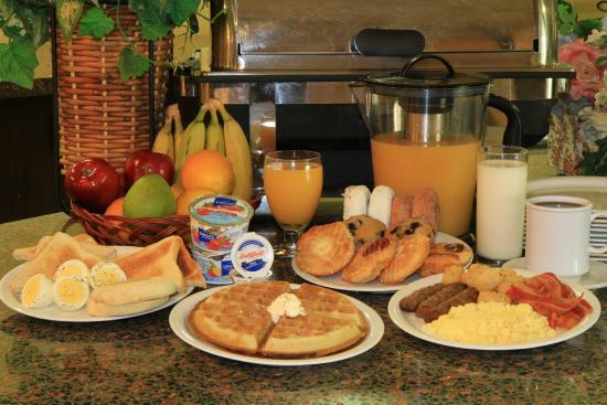 Clarion Inn  & Suites Miami Airport: Breakfast