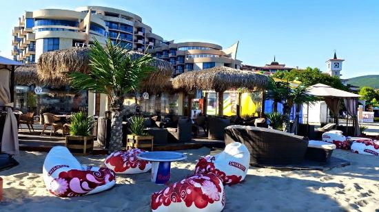 Fiesta Beach bar