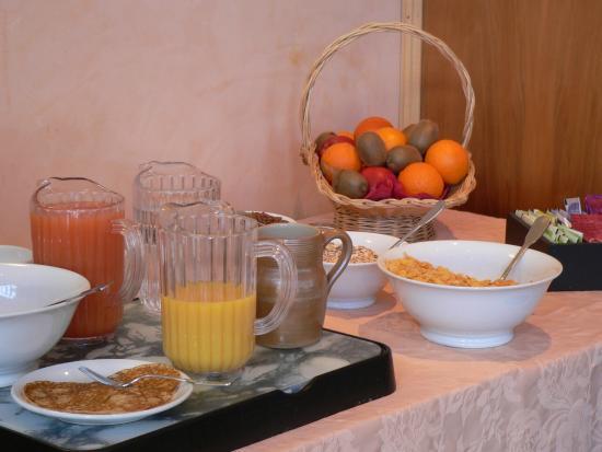 Hôtel Moderne : Petit déjeuner Buffet