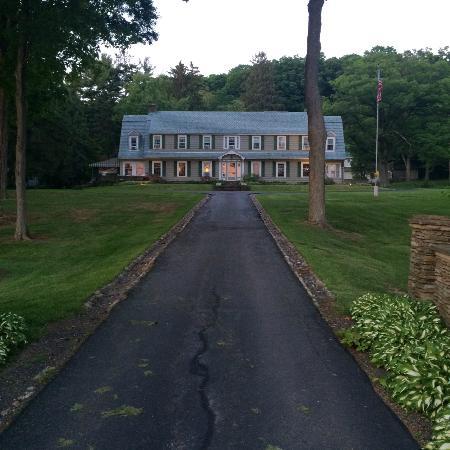 Front of Maple Springs Lake Side Inn