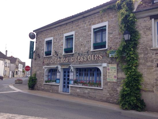 Ennery, France : Auberge les Pressoirs