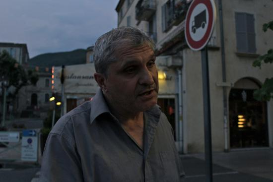 Nyons, France: Tony, the owner just before he said those vulgarities