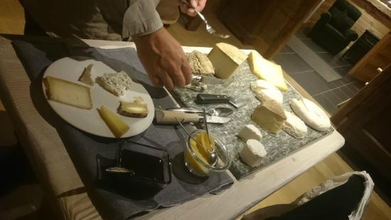 La Ferme du Chozal: plateau de fromage