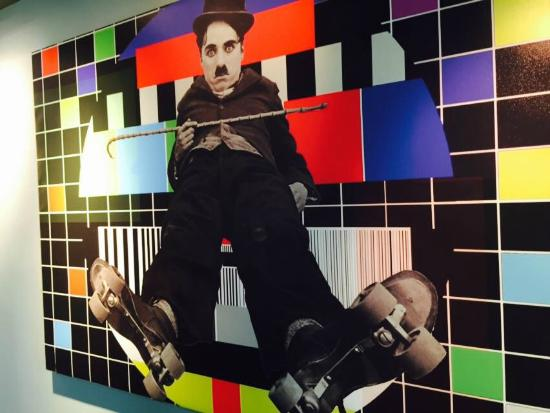 Royal Court Hotel: Charlie Chaplin Cafe Painting