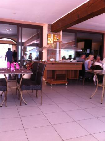 Restaurant Brise de mer : Buffet d'entrées froides.