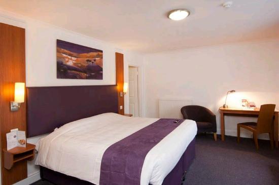 Premier Inn Basildon South Hotel : Bedroom