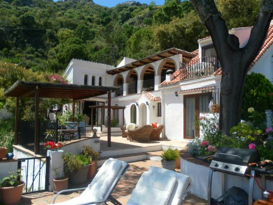 Casares Bed & Breakfast: Main House
