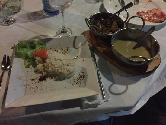 Cafe Le Monde: riso bianco e verdure con il pollo e le lenticchie
