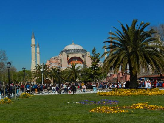 Sultanahmet Square (Istanbul) - 2019 All You Need to Know ...