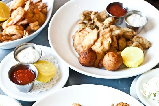 Hank S Seafood Restaurant Voted Best In Charleston For 15 Years Running
