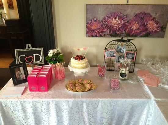 Jovanna at the Harrop House Restaurant: sweet table