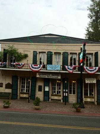 Murphy's Hotel: exterior
