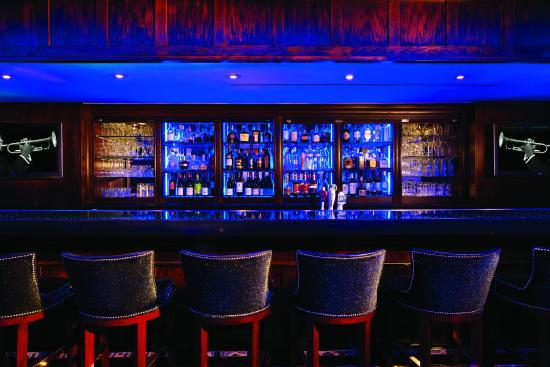 The Blue Bar, Algonquin Hotel : Enjoy a post-theater drink