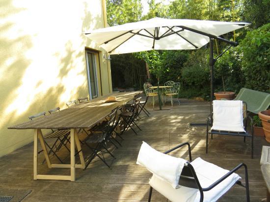 Les Arbousiers: Terrasse