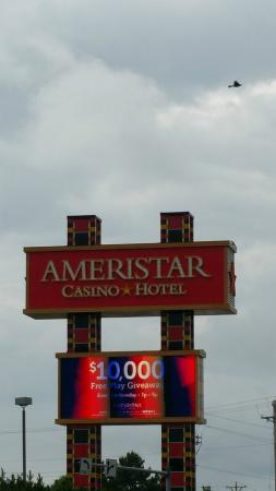 Ameristar Casino Hotel Council Bluffs: Outside of Building