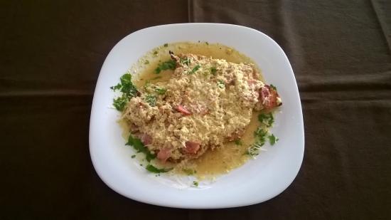 Rania's Grill House: Chicken a la Creme