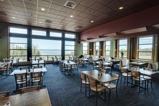 Kewadin Shores Casino and Hotel: Horseshoe Bay Restaurant
