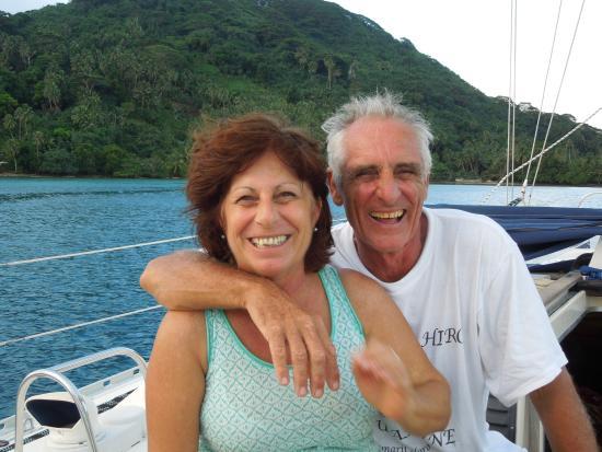 Tahiti Sailing Charter - Day Tours : Claude and Martine