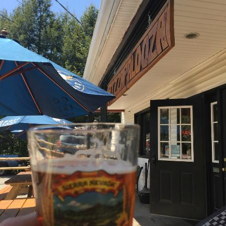 Pizzapalooza & Micropub: Hanging out on the front patio