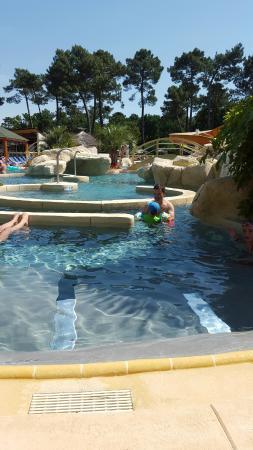 Camping l'Oree du Bois: espace aquatique