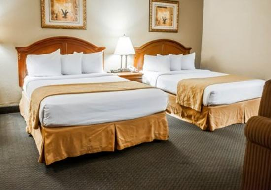 Quality Inn Santa Fe: Double Beds