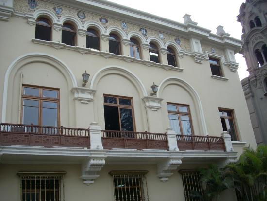 Palacio Municipal de Miraflores