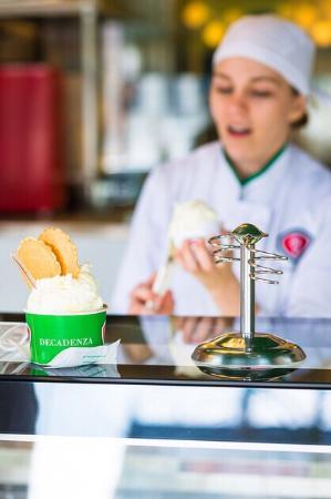 Gelateria Decadenza: Enkele heerlijke dagverse Italiaanse gelato's: lekkerder vind je niet in Leuven ;)