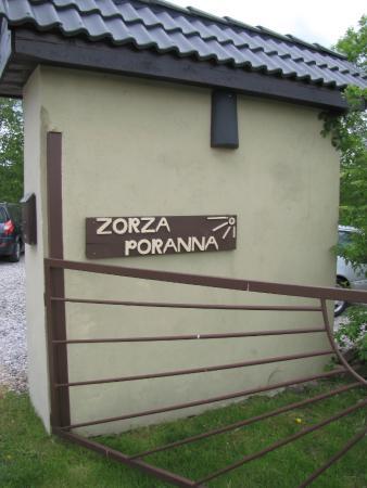 Zorza Poranna: De entree van de B&B