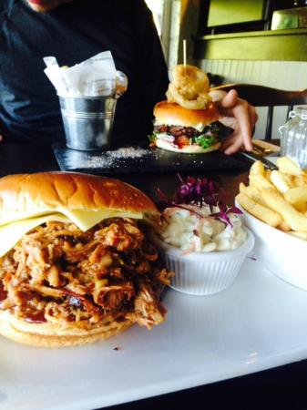 The Liscawn Restaurant: Pulled Pork and Gourmet Burger