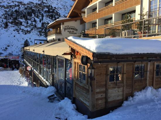 Hotel Jenewein: Aprés Ski Bar von aussen