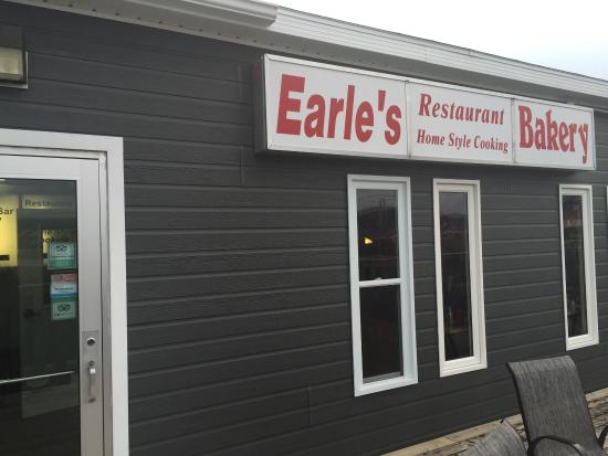 Main entrance to Earl's restaurant