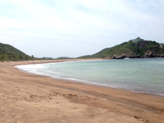 Careyitos Beach: Vista desde la playa - 1
