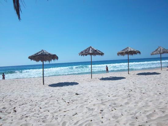 New Barcavela Hotel: Пляж
