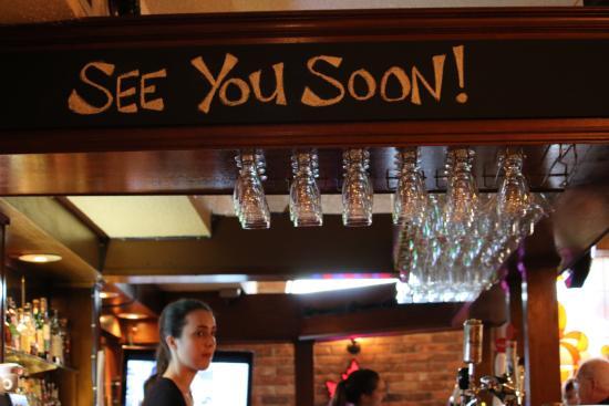Coach & Horses Pub: the bar