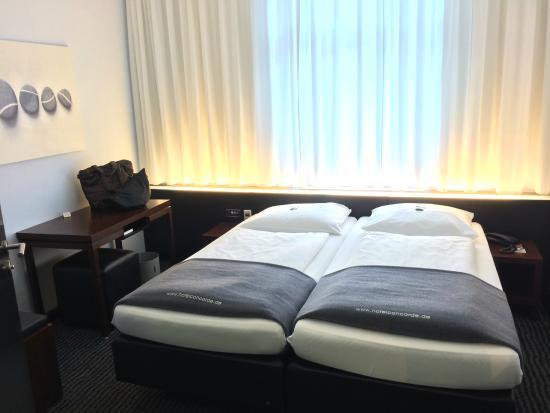 Hotel Concorde: 狭い....が寝るだけなら可