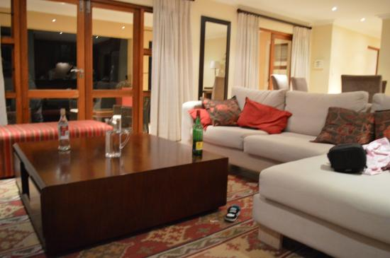 Topaz Cove Luxury Villas : Living room