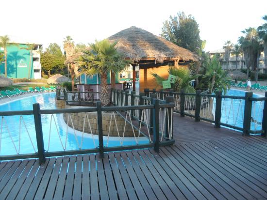 Beach bar area picture of portaventura hotel caribe salou tripadvisor - Hotel salou port aventura ...