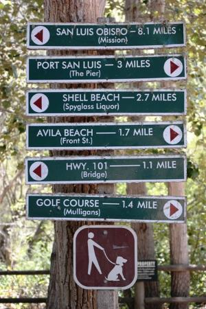 Sycamore Mineral Springs Resort and Spa: Signs on Bob Jones Trail
