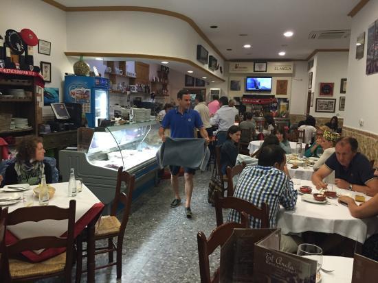 Restaurante el ancla cerca del puerto de tarifa fotograf a de restaurante el ancla tarifa - Restaurante el puerto tarifa ...