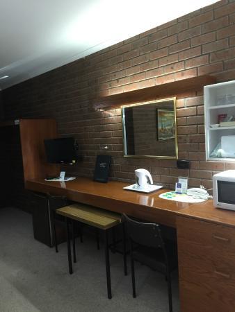 golden chain lilydale motor inn updated 2017 motel. Black Bedroom Furniture Sets. Home Design Ideas